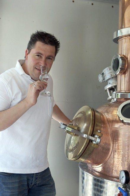 Arthur Nägele begleitet als anerkannter Experte für Brände und Liköre die Degustationen.