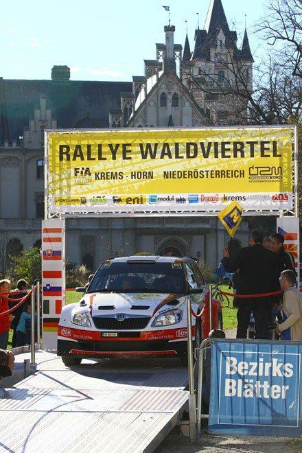 Der-Wiener-Mario-Saibel-startet-vor-dem-Schloss-Grafenegg-