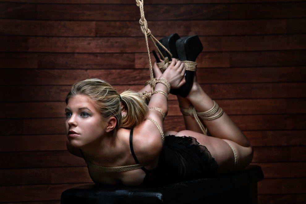 bondage harness madchen