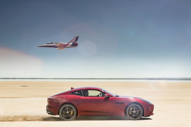 Jag_FTYPE_AWD_Bloodbound_Image_061114_05