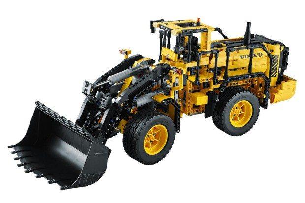 LEGO_Technic_VOLVO_L350F_Radlader_2
