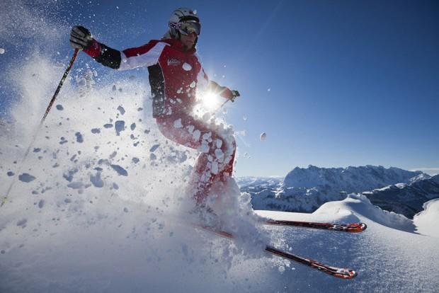 Skifahrer im Zahmen Kaiser und Co.©TVB Kaiserwinkl